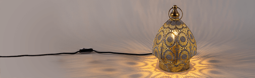 Lámpara de mesa de oro / latón