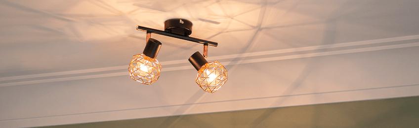 Las lámparas de techo de la sala de estar