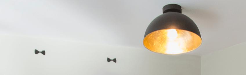 Lámparas suspendidas en la habitación de los niños
