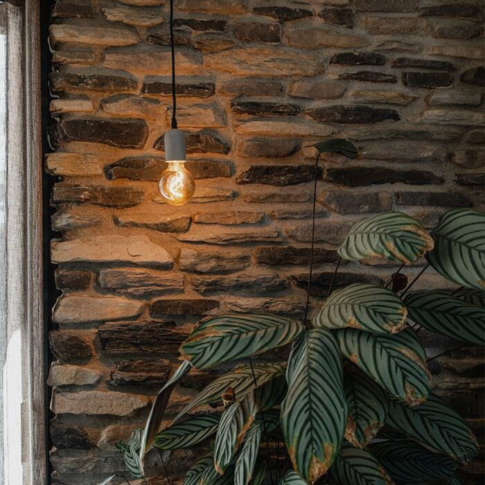 Lámpara-colgante-negra-hormigón---PEDRA