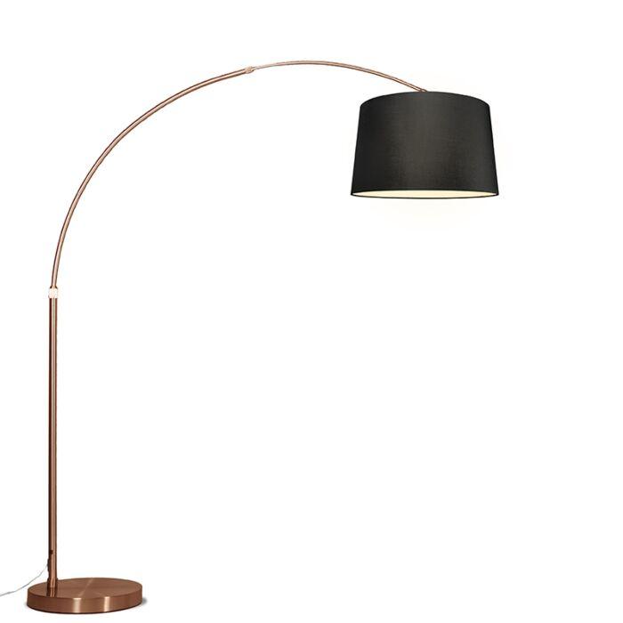 Lámpara-de-arco-XXL-cobre-con-pantalla-negra-cónica