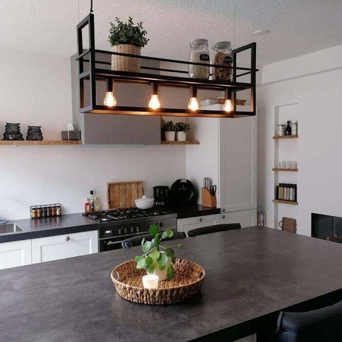 Lámpara-colgante-industrial-negra-estantería-4-luces---CAGE-Rack