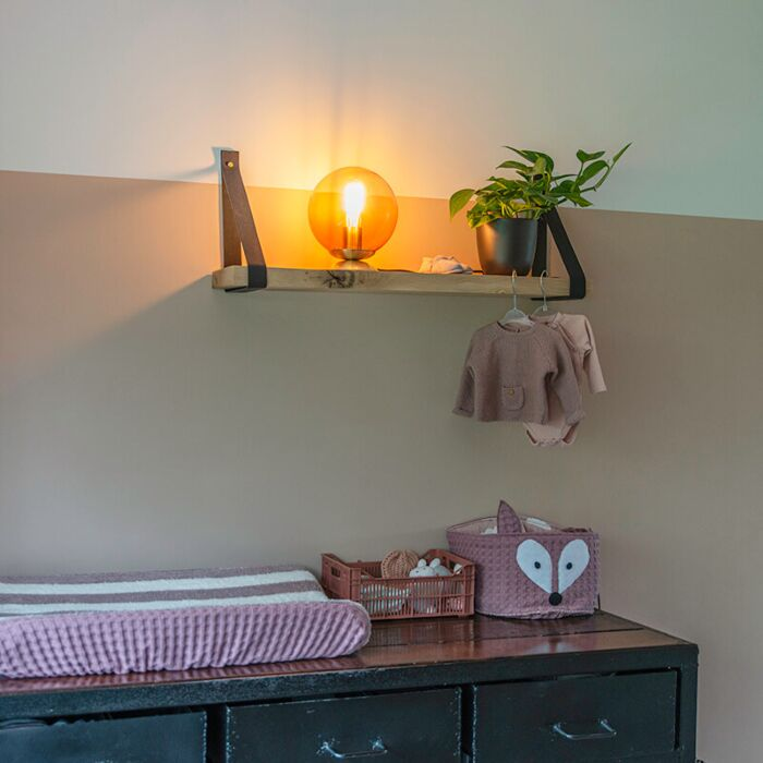 Lámpara-de-mesa-latón-con-vidrio-rosa---PALLON