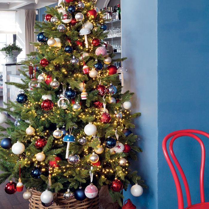 Árbol-de-Navidad-AVETO-verde-LED-blanco-cálido-2,1-metros