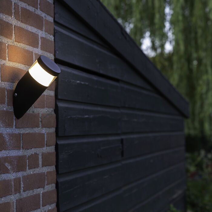Aplique-moderno-negro-con-LED-IP44--PRIM