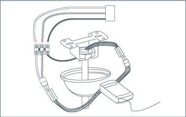 Paso 4. Instala el receptor y la cobertura del motor
