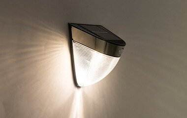 ¿Cómo se instala la iluminación solar?
